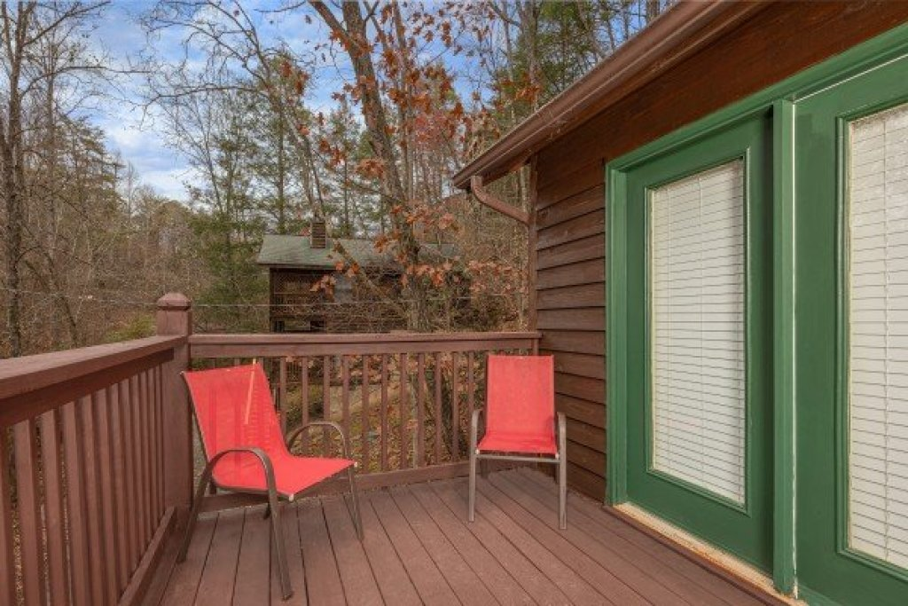 Photo of a Sevierville Cabin named Hidden Pines - This is the thirteenth photo in the set.