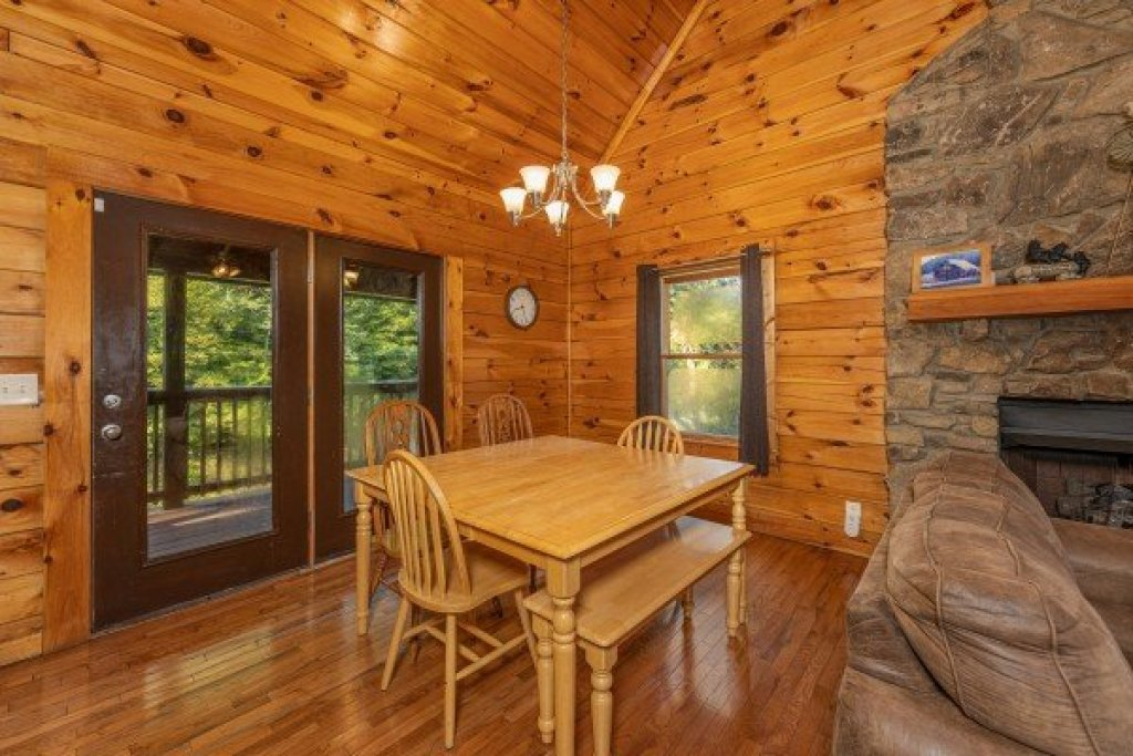 Photo of a Pigeon Forge Cabin named Family Getaway - This is the fourth photo in the set.