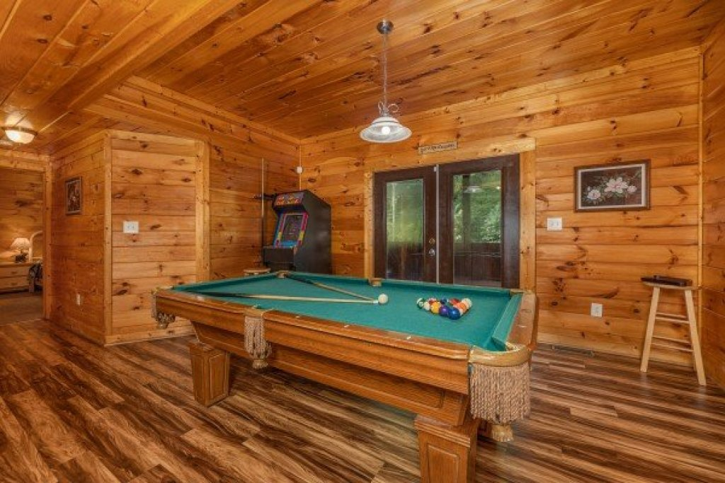 Photo of a Pigeon Forge Cabin named Family Getaway - This is the seventeenth photo in the set.