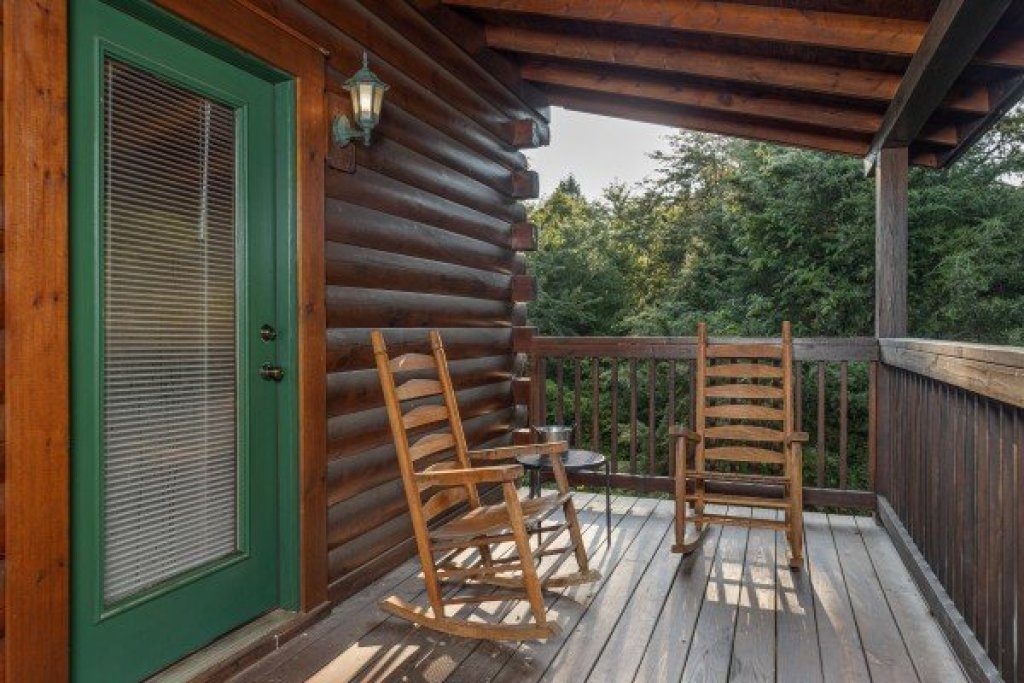 Photo of a Pigeon Forge Cabin named Family Getaway - This is the eighth photo in the set.