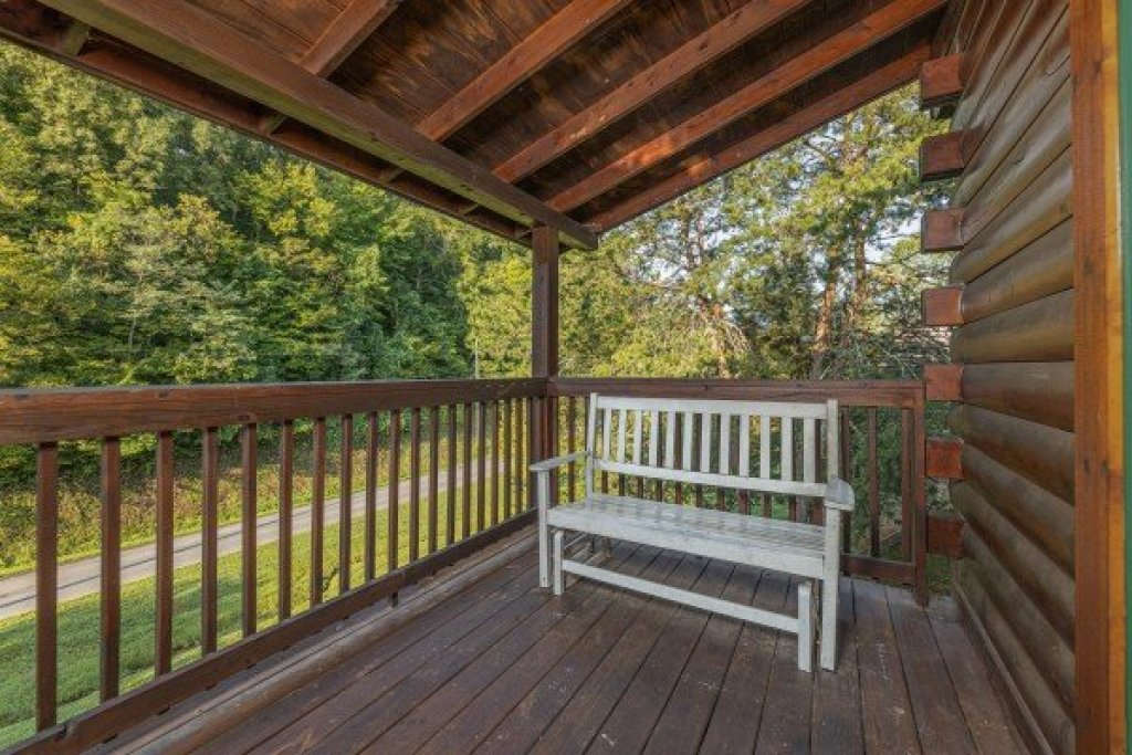 Photo of a Pigeon Forge Cabin named Family Getaway - This is the seventh photo in the set.