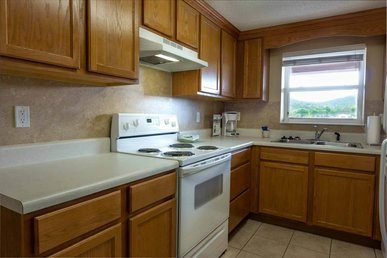 Virtual Check-in/checkout, Superb Cleaning, 3 Br, Riverside, Jacuzzi Tubs