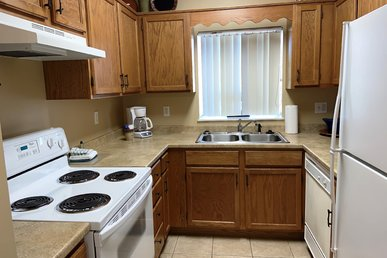 Smokies View, 2 Br, King Beds, Pools Open,clean& Close To Everything!