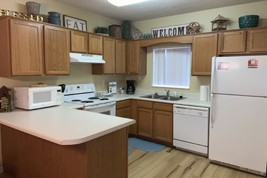 Clean 4 Br, First Floor, Virtual Arrival, Fall Deals, Free Tickets