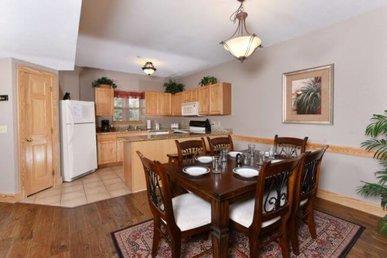 2 Decks, Granite, Full Kitchen, Sleeps 6, Free Tickets