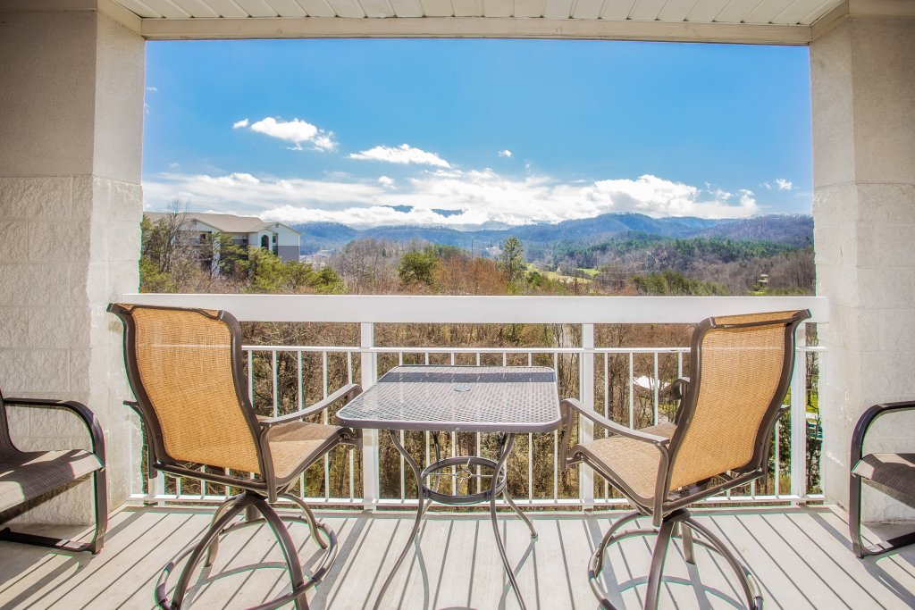 Photo of a Pigeon Forge Condo named Whispering Pines 451 - This is the twelfth photo in the set.