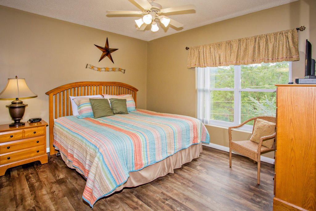 Photo of a Pigeon Forge Condo named Whispering Pines 624 - This is the nineteenth photo in the set.