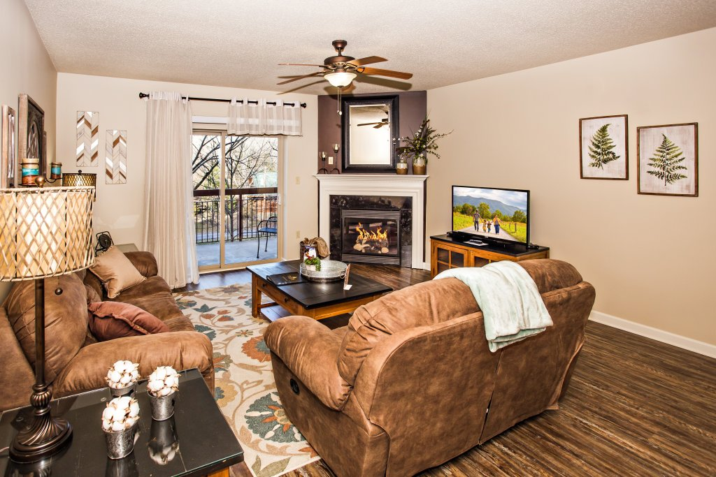 Photo of a Pigeon Forge Condo named Cedar Lodge 303 - This is the third photo in the set.
