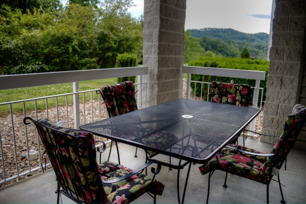 Photo of a Pigeon Forge Condo named Whispering Pines 312 - This is the nineteenth photo in the set.
