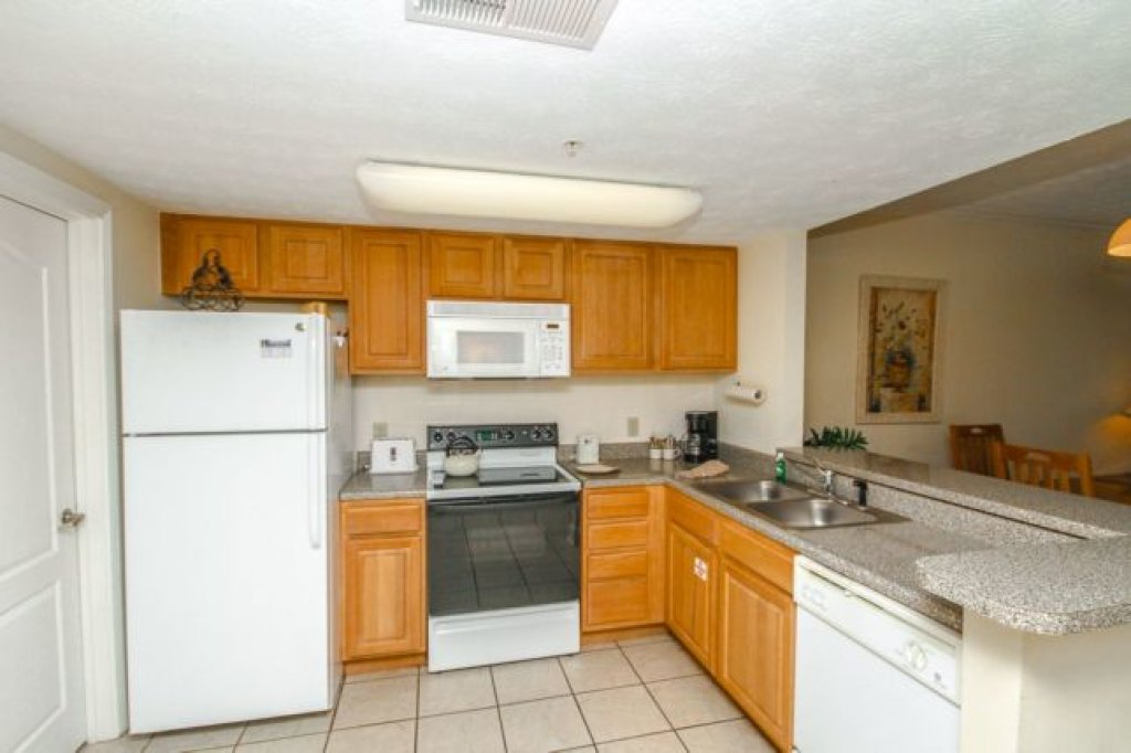 Photo of a Pigeon Forge Condo named 1103 Golf View Towers Smoky Bear - This is the second photo in the set.