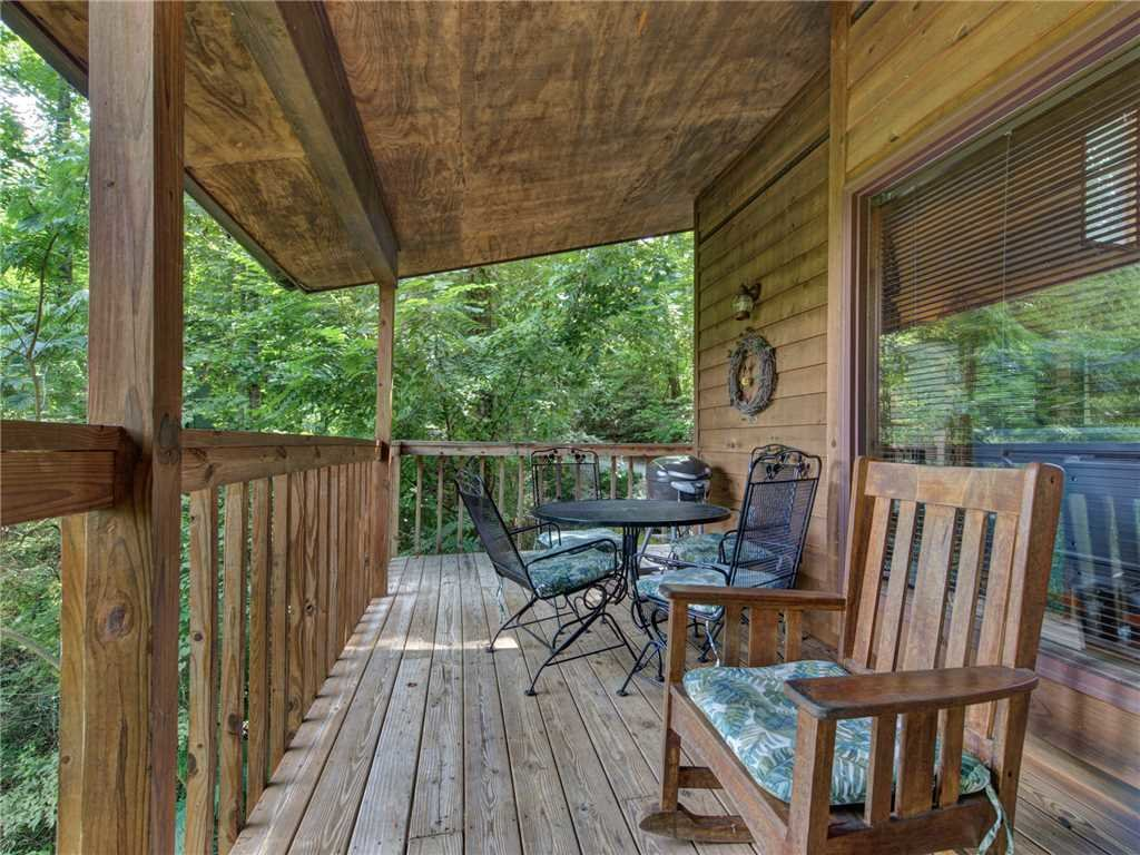 Photo of a Gatlinburg Cabin named Between Here & There - This is the first photo in the set.