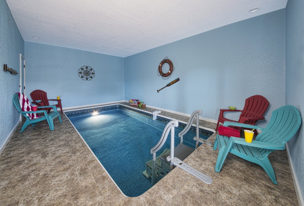 Photo of a Pigeon Forge Cabin named Poolin' Around - This is the first photo in the set.
