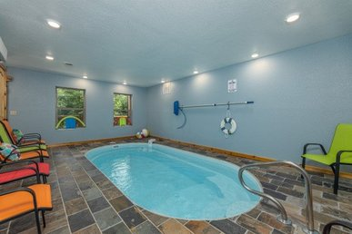 Indoor Pool Cabin, Private Pool 2 Bedroom 2 Bath Cabin With Putt Putt Course.