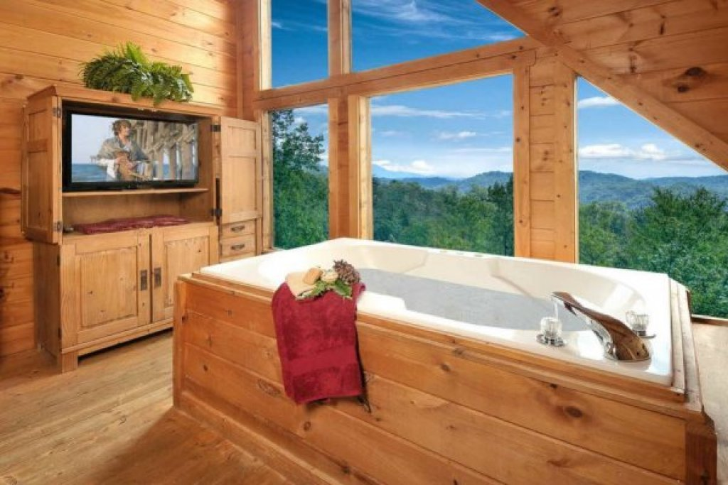 Photo of a Pigeon Forge Cabin named American Beauty - This is the second photo in the set.