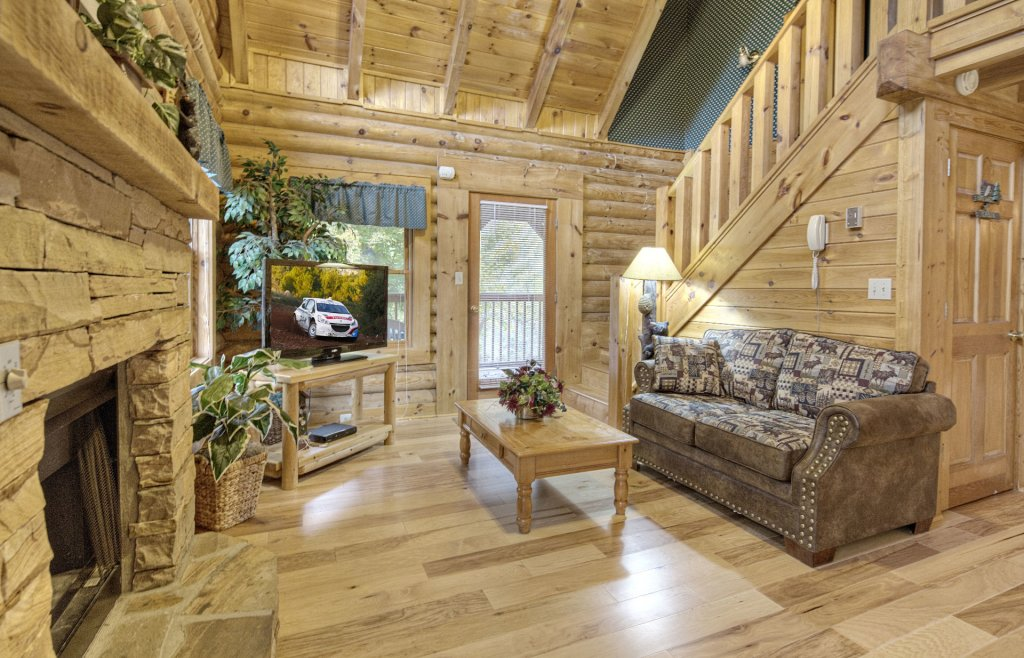Photo of a Pigeon Forge Cabin named  Country Delight - This is the second photo in the set.