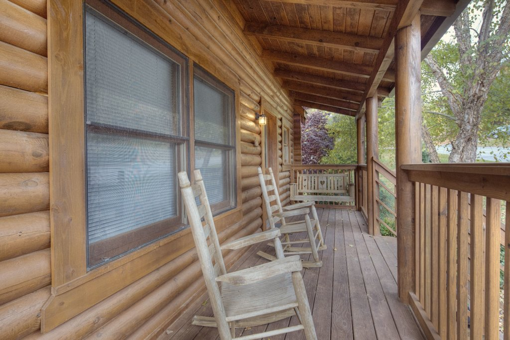 Photo of a Pigeon Forge Cabin named  Country Delight - This is the sixth photo in the set.