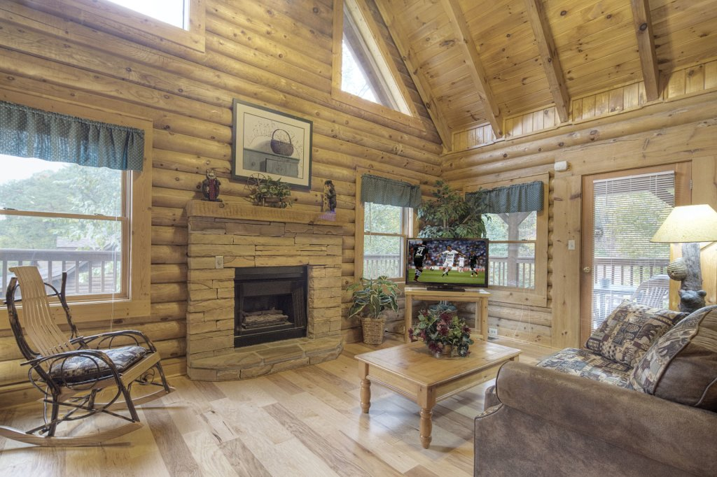 Photo of a Pigeon Forge Cabin named  Country Delight - This is the third photo in the set.