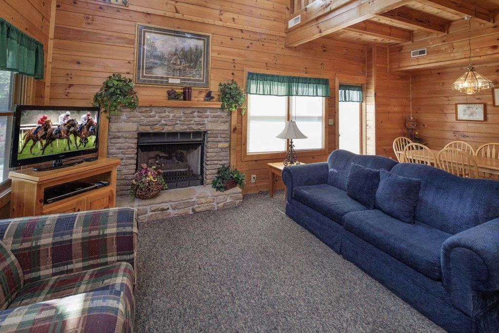 Photo of a Pigeon Forge Cabin named  Black Bear Hideaway - This is the third photo in the set.