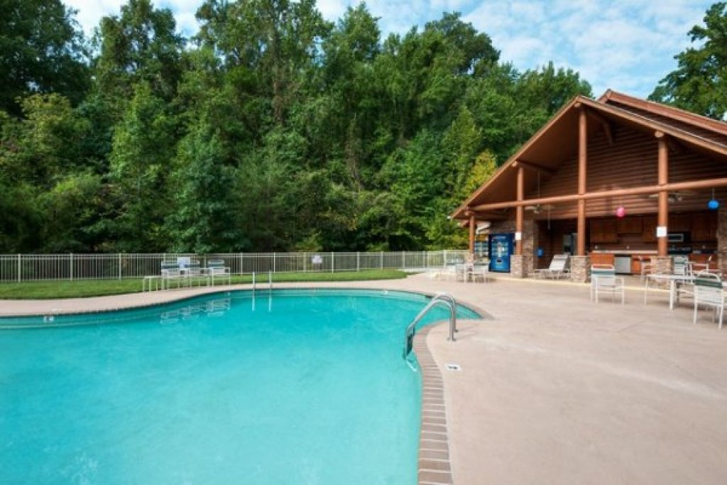 Photo of a Pigeon Forge Cabin named Allstar Pool Lodge - This is the thirty-sixth photo in the set.