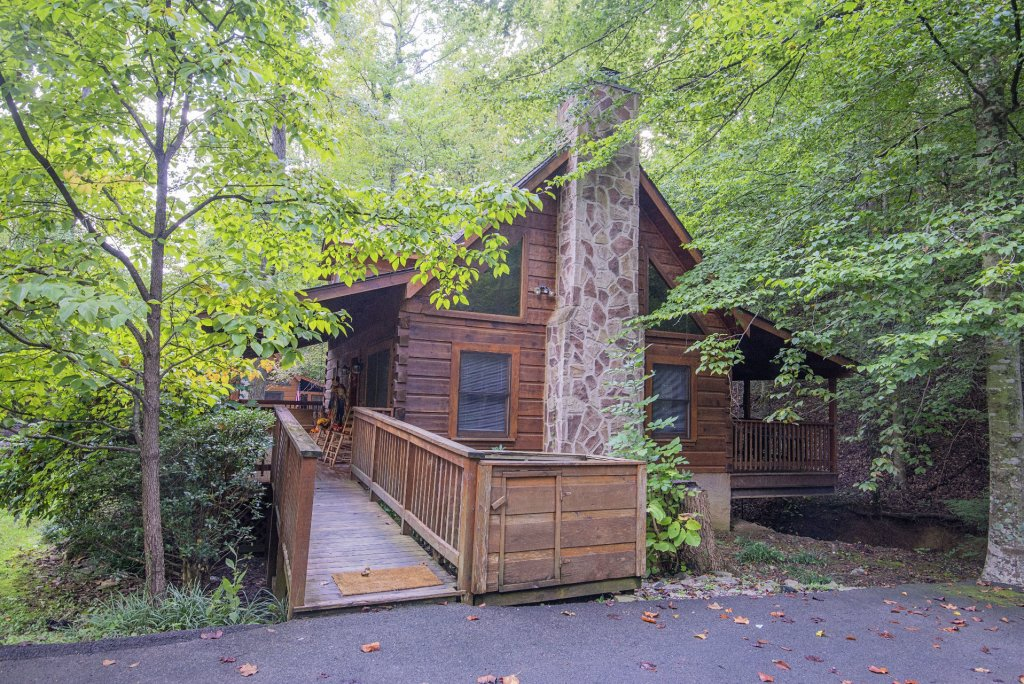 Photo of a Pigeon Forge Cabin named  Natures Grace Retreat - This is the sixth photo in the set.