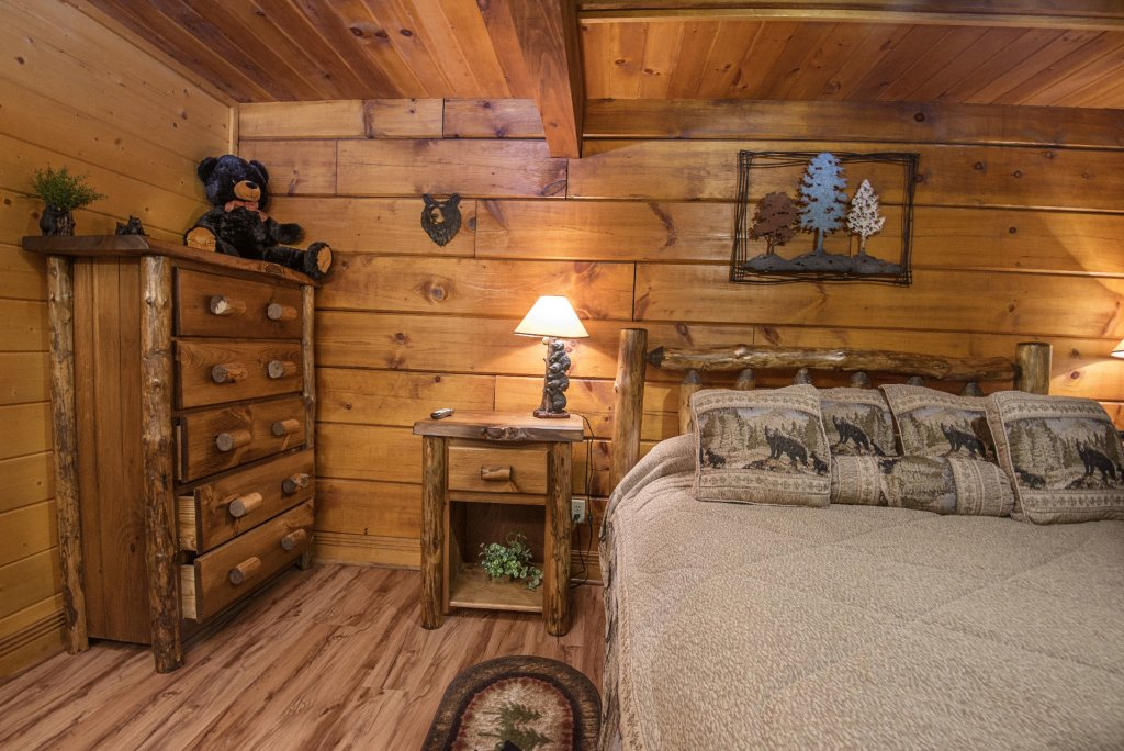 Photo of a Pigeon Forge Cabin named  Natures Grace Retreat - This is the fourteenth photo in the set.