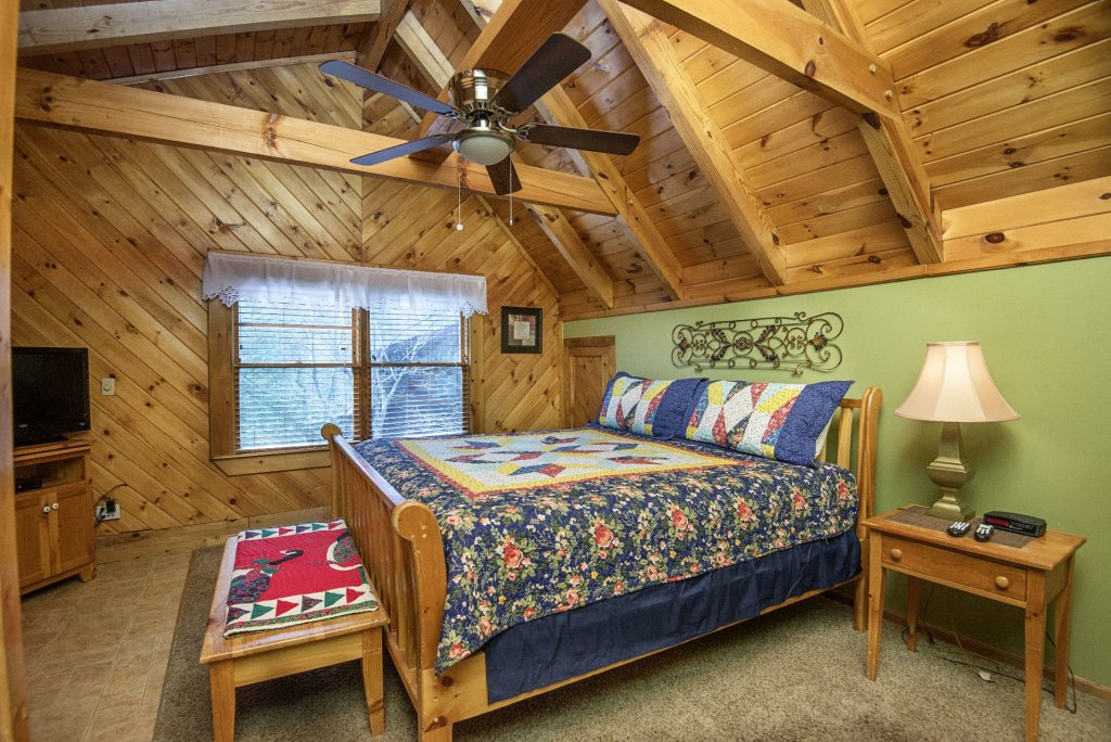Photo of a Pigeon Forge Cabin named  Heaven's Delight - This is the nineteenth photo in the set.