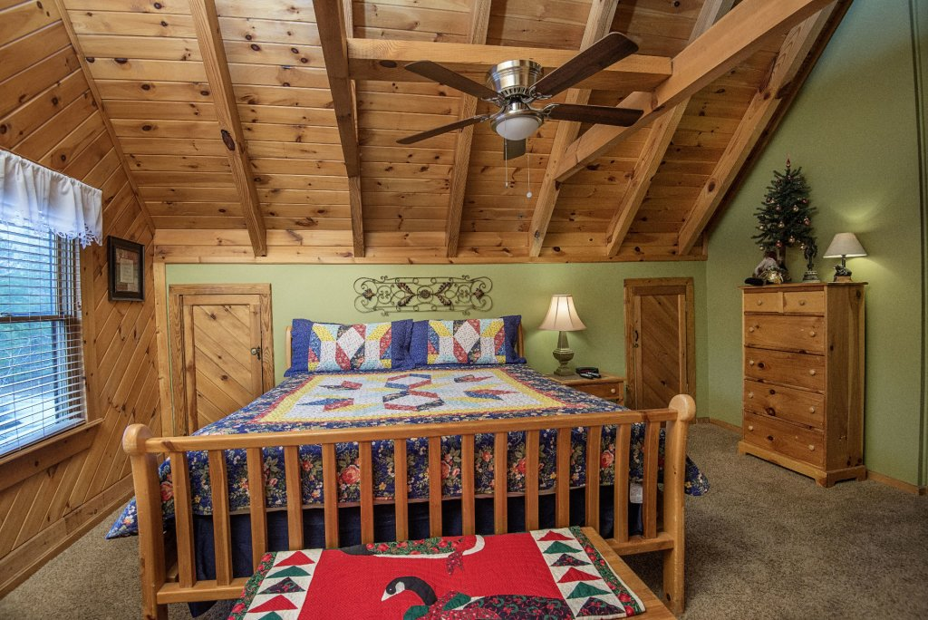 Photo of a Pigeon Forge Cabin named  Heaven's Delight - This is the twenty-first photo in the set.