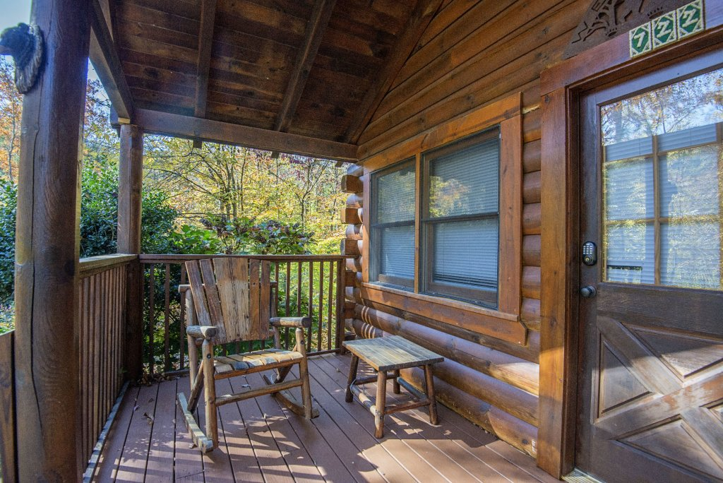 Photo of a Pigeon Forge Cabin named  Smoky Mountain Getaway - This is the twenty-second photo in the set.