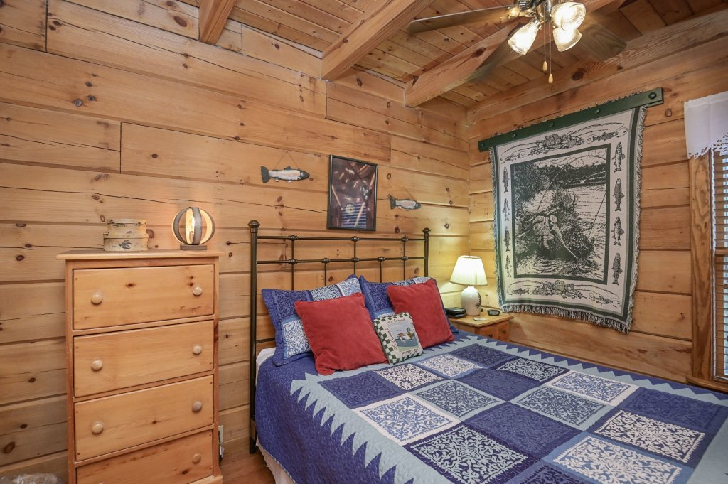 Photo of a Pigeon Forge Cabin named  Heaven's Delight - This is the seventeenth photo in the set.