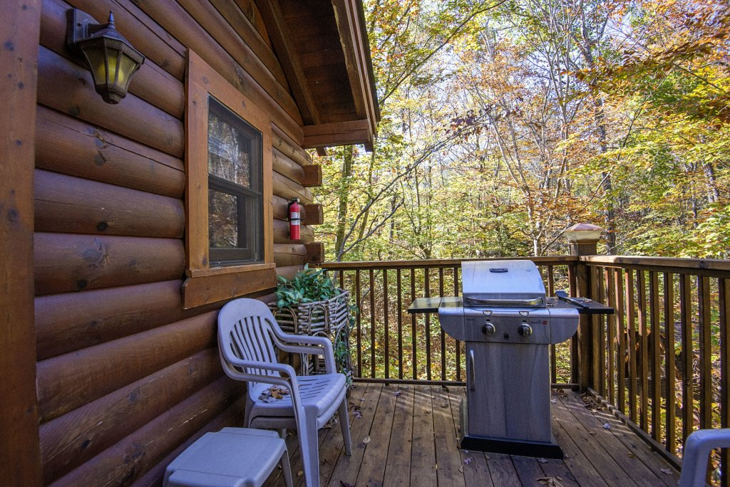 Photo of a Pigeon Forge Cabin named  Smoky Mountain Getaway - This is the nineteenth photo in the set.