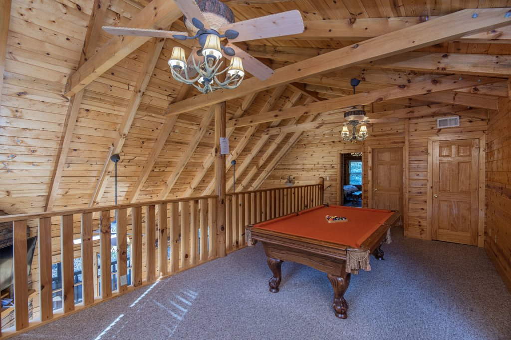 Photo of a Sevierville Cabin named The Wildlife Lodge Fka Wild Hog Inn - This is the sixteenth photo in the set.