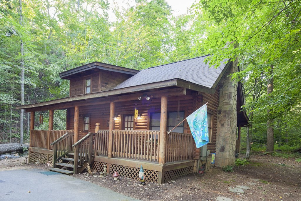 Photo of a Pigeon Forge Cabin named  Mountain Majesty - This is the first photo in the set.
