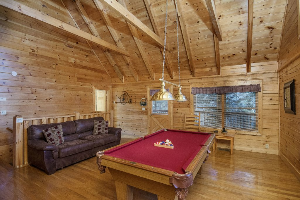 Photo of a Pigeon Forge Cabin named  Locker's Mountain Hideaway - This is the eighth photo in the set.