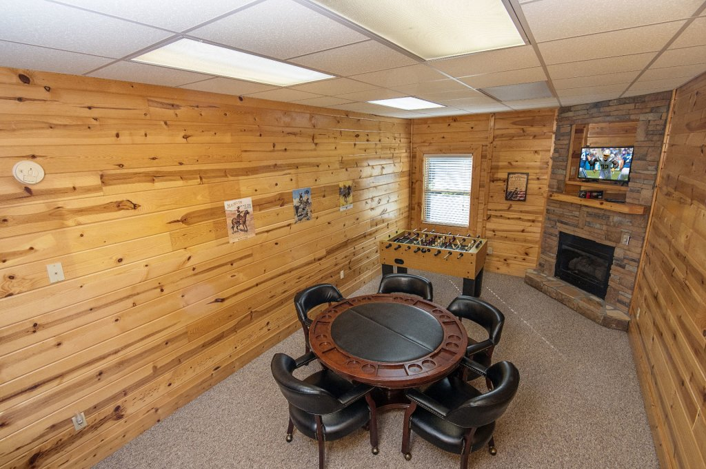 Photo of a Sevierville Cabin named The Wildlife Lodge Fka Wild Hog Inn - This is the fourteenth photo in the set.