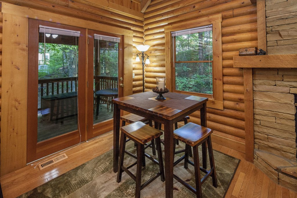 Photo of a Pigeon Forge Cabin named  Mountain Majesty - This is the tenth photo in the set.