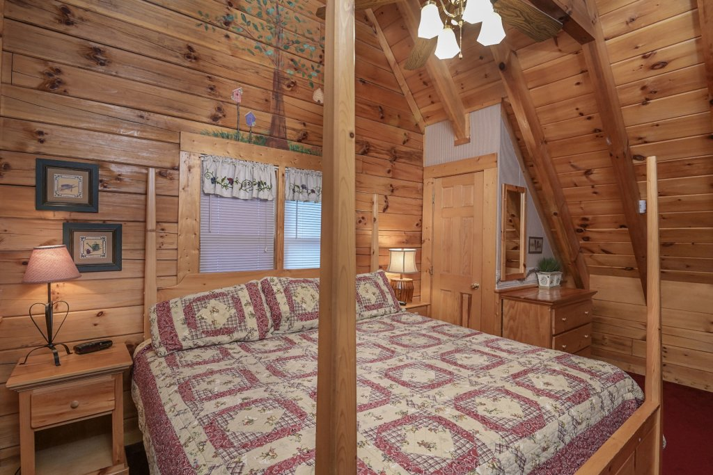 Photo of a Pigeon Forge Cabin named  Legacy Lodge - This is the twelfth photo in the set.