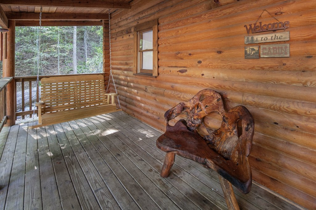 Photo of a Pigeon Forge Cabin named  Mountain Majesty - This is the twenty-seventh photo in the set.