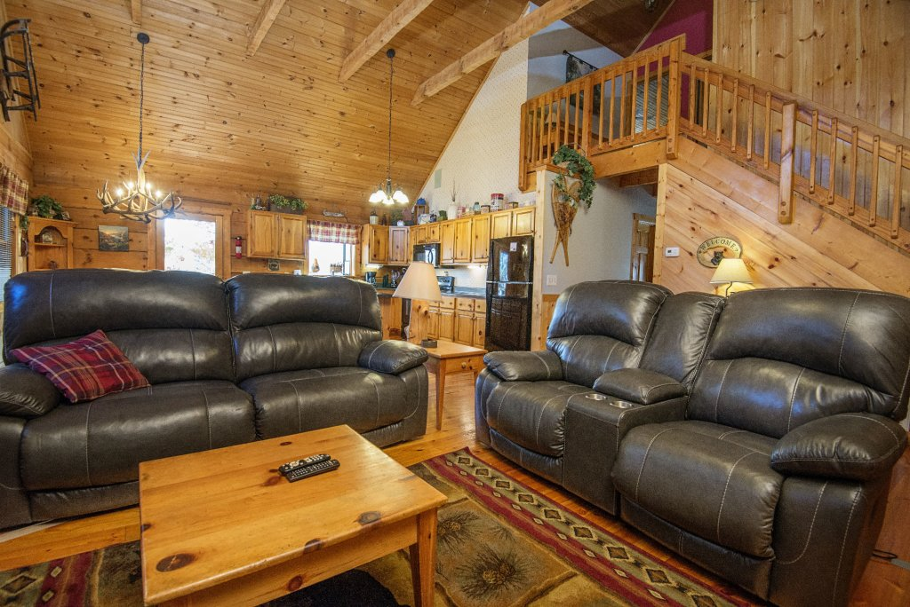 Photo of a Pigeon Forge Cabin named  Best Of Both Worlds - This is the fourth photo in the set.