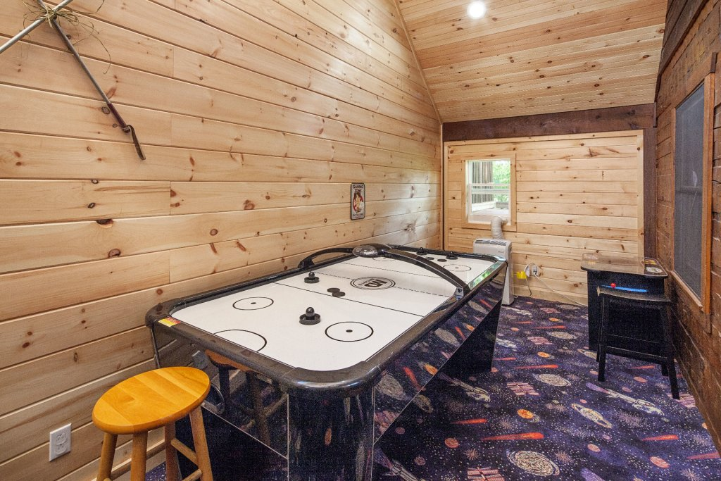 Photo of a Pigeon Forge Cabin named  Best Of Both Worlds - This is the sixteenth photo in the set.