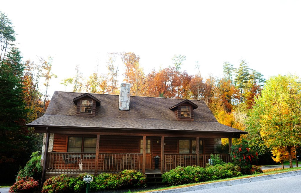 Photo of a Pigeon Forge Cabin named  Grandma & Granpaws Place - This is the first photo in the set.