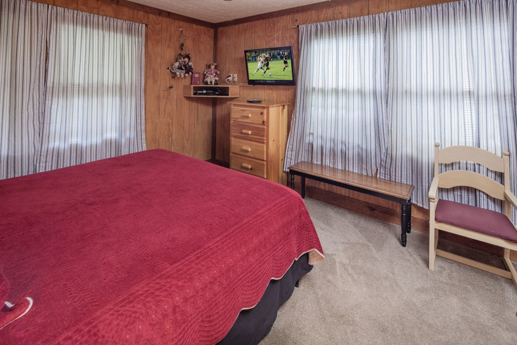 Photo of a Pigeon Forge Cabin named  Grandma & Granpaws Place - This is the twelfth photo in the set.
