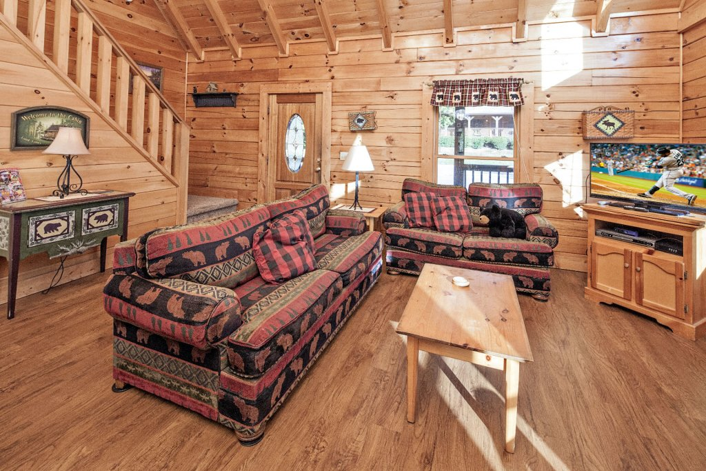 Photo of a Pigeon Forge Cabin named  On Eagles' Wings - This is the fourth photo in the set.