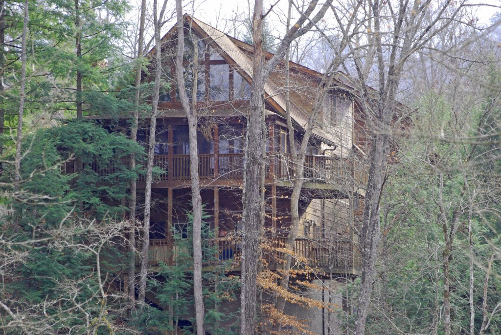 Photo of a Pigeon Forge Cabin named  Hibernation Hideaway - This is the fifth photo in the set.