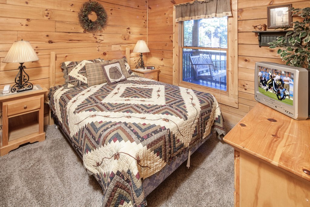 Photo of a Pigeon Forge Cabin named  On Eagles' Wings - This is the tenth photo in the set.