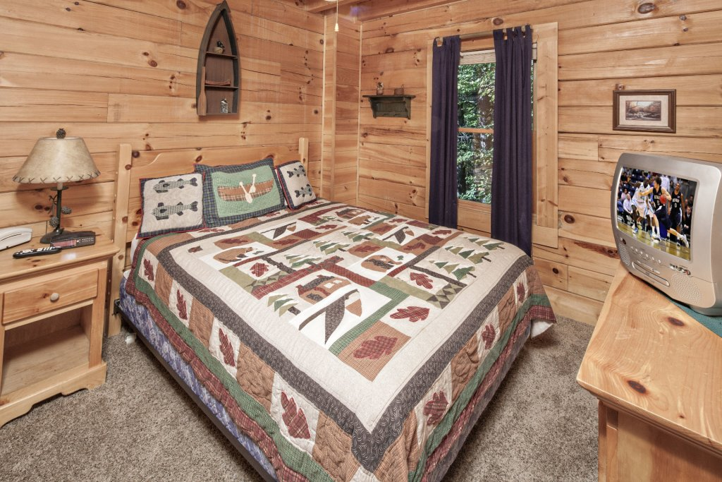 Photo of a Pigeon Forge Cabin named  On Eagles' Wings - This is the ninth photo in the set.