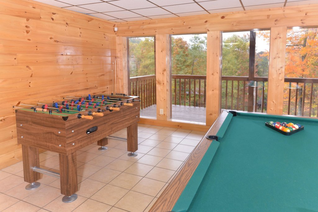 Photo of a Gatlinburg Cabin named Love & Laughs #11 - This is the fifteenth photo in the set.