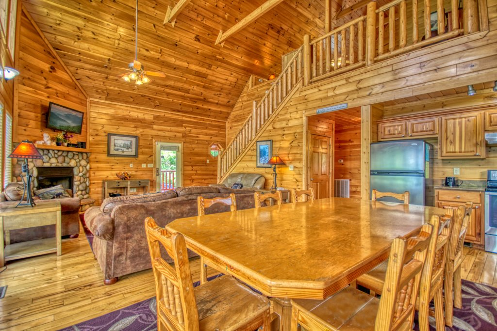 Photo of a Gatlinburg Cabin named Redneck Ritz #724 - This is the nineteenth photo in the set.