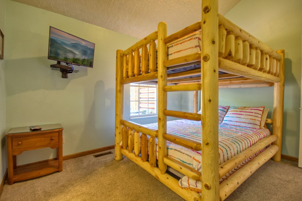 Photo of a Gatlinburg Cabin named Life Of Luxury #12 - This is the thirty-second photo in the set.