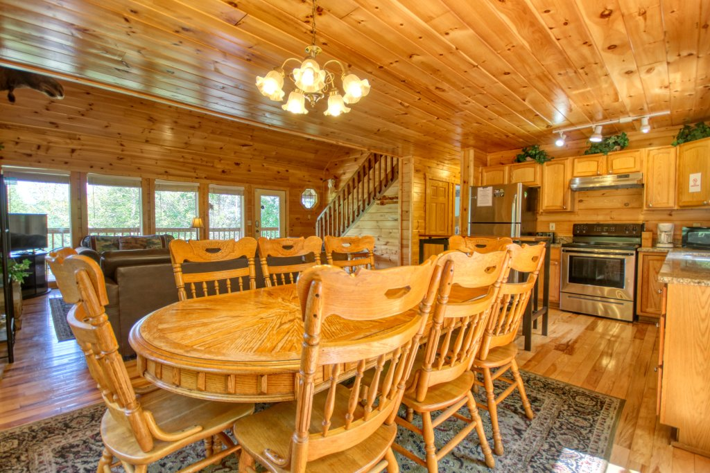 Photo of a Gatlinburg Cabin named Love & Laughs #11 - This is the twelfth photo in the set.