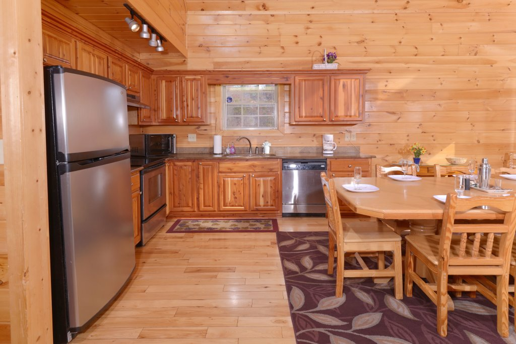 Photo of a Gatlinburg Cabin named Redneck Ritz #724 - This is the forty-fourth photo in the set.